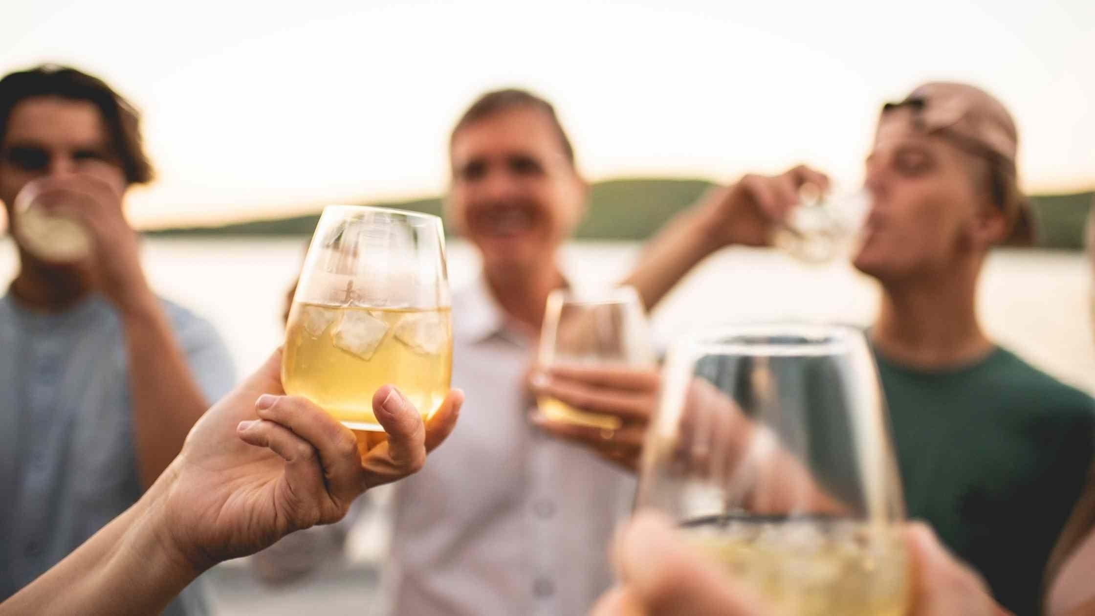 5 bouteilles typiquement québécoises pour une St-Jean-Baptiste authentique